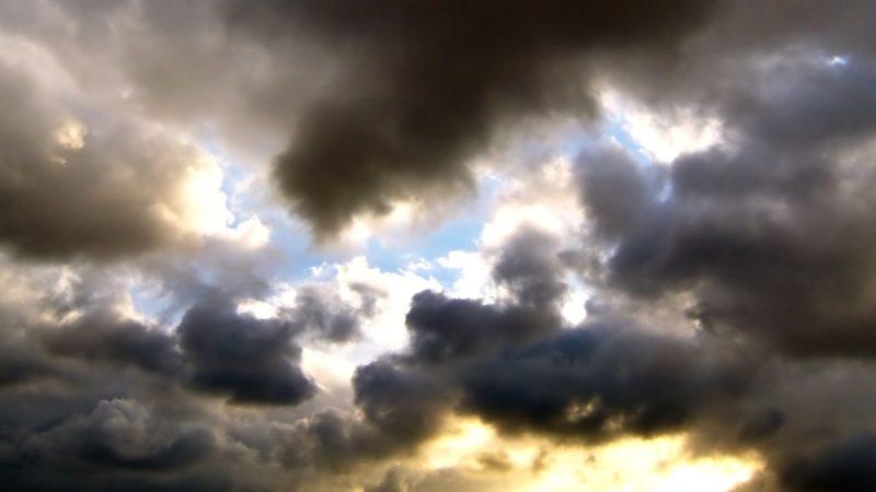 Sorte skyer og sorg