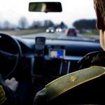 Motorsav satte ild i bil med mand uden kørekort
