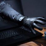 Ældre ægtepar fik tømt alle bankkonti af netsvindler