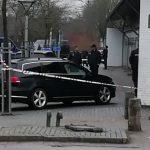 Talstærkt politi afspærrer Ringparken