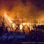 Kolonihavehus på Halsskov raseret af voldsom brand