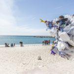 Økonomisk hjælp til at fjerne skrald på stranden