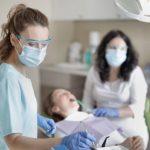 Sådan finder du en billig tandlæge i Slagelse