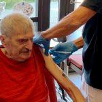 Nu får plejehjemsbeboerne det tredje stik